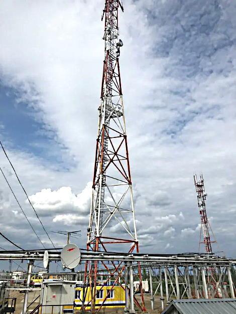 Телекоммуникационная вышка в Прилуках с 2 радиомостами PPC-10G-Е-HP/2+0