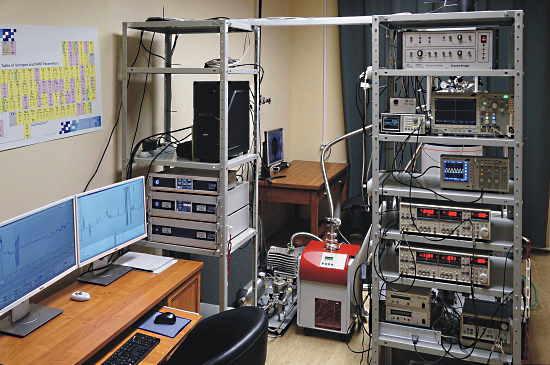 Спектрометр ЭПР-ОДМР в Лаборатории микроволновой спектроскопии кристаллов